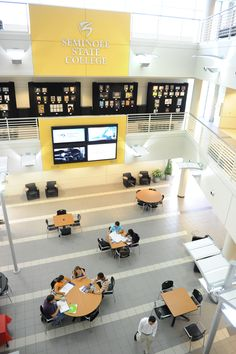 With its innovative design, the Heathrow Campus features flexible classroom and conference space with wireless Internet access throughout, an information commons, and areas devoted to economic development and learning. http://www.seminolestate.edu/?utm_source=Pinterest_medium=Link_campaign=Virtual%2BTour