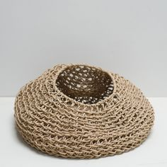 Cloth and Goods - Paper Cord Round Basket Natural Weaving Projects, Weaving Art, Crochet Toys, Knit Crochet, Contemporary Baskets, Art Shed, Round Basket, Textiles, Arm Knitting
