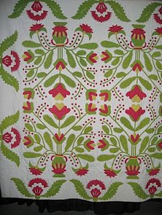 I SEW QUILTS: Red and Green Quilts