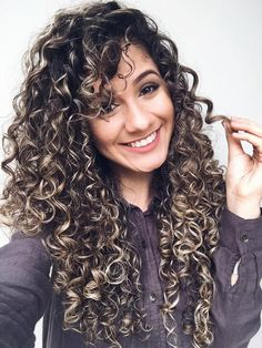 40 long natural curls hairstyles - Hairstyle Fix Curly Hair Styles, Curly Hair Tips, Long Curly Hair, Natural Hair Styles, Short Hair, Curly Girl, Curly Hair White Girl, Black Hair, Long Natural Curls