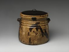 Water jar, probably century, Japan. Clay covered with glaze and iron-brown splashes; Earthenware, Stoneware, History Of Ceramics, Japanese Tea Ceremony, Japanese Ceramics, Plates And Bowls, Glazes For Pottery, Old Things, Porcelain