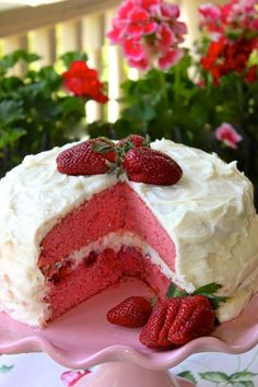 Strawberry Layer Cake & Sweet Mascarpone Cheese Icing