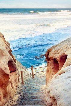 Steps to the Sea La Jolla California by @buzzafflor | CaliforniaFeelings.com #california #cali #LA #CA #SF
