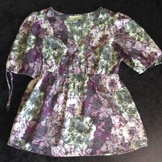 """Loft dressy purple print short sleeve top **HP** 100 % polyester pullover top with gathered sleeves & elastic/drawstring hem. V neck, elastic gather front & back below bust. Gently worn size S PET. Length is 22"""", across front is 16"""". Hem width is 42"""". Ann Taylor Loft Tops"""