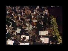 ▶ Luciano Pavarotti & Amira Willighagen singing live Nessun Dorma - YouTube