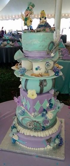 Alice in Wonderland wedding cake.