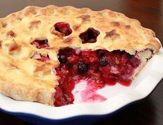 APPLE A DAY: 31 While 31--Bumbleberry Pie