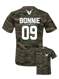 Clyde camouflage t-shirt, Bonnie Clyde shirt custom number option, Clyde army tee with custom number, paar t-shirt, pärchen t-shirts Couple Shirts Online, Cute Couple Shirts, T Shirts With Sayings, Cool T Shirts, Camouflage T Shirts, Camo Shirts, Custom Shirts, Swag Shirts, Cheer Shirts