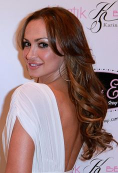 Karina Smirnoff shines with long, wavy hairstyle
