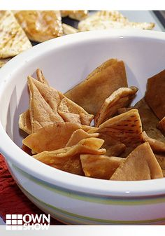 Homemade Pita Chips || If you're craving a salty and crunchy snack, skip the greasy chips and go for something healthier! Chef and founder Alan Jackson shares his recipe for homemade pita chips that will satisfy your craving without making you feel guilty.