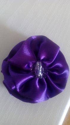 Mais uma flor de cetim.