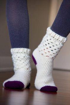 Most recent Pictures Crochet socks Thoughts 5 Kostenlose Häkeln Muster Socken Crochet Gratis, Crochet Diy, Crochet Boots, Crochet Slippers, Crotchet Socks, Diy Crochet Clothes, Crochet Things, Crochet Ideas, Crochet Socks Pattern