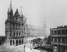 St Pancras railway station and the Midland Grand Hotel on the Euston Road in London, Victorian London, Vintage London, Victorian Gothic, Camden London, Old London, British Architecture, London History, Old Photos, Vintage Photos