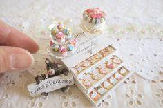 patisserie chest&mascot bear set * * * パティスリーチェストと看板くまちゃんset・・・ヤフーオークションに出品中です * * * #handmade#miniature#miniaturefood#dollhouse#lovelylittleminiatures#patisserie#chest#teddybear#cupcakes#flowercake#icingcookies#ハンドメイド#ミニチュア#ドールハウス#ミニチュアフード#テディベア#フラワーケーキ#カップケーキ#アイシングクッキー#パティスリー#チェスト#ヤフオク#ヤフオク出品中