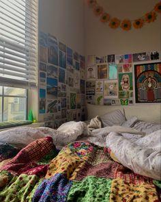 Indie Room Decor, Cute Room Decor, Dream Rooms, Dream Bedroom, Uni Bedroom, Room Ideas Bedroom, Bedroom Decor, Bedroom Inspo, Pretty Room