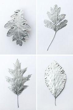 Silver leaves - Christmas decorations // Hojas plateadas - Decoración de navidad