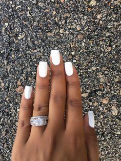 Sally hansen miracle gel get mod nails Bright Summer Acrylic Nails, Simple Acrylic Nails, Best Acrylic Nails, White Gel Nails, White Short Nails, Short Gel Nails, White Pedicure, Short Square Acrylic Nails, Long Nails