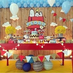 Festa linda com tema Snoopy por @kiaravieiramartinsdecor #kikidsparty                                                                                                                                                                                 More