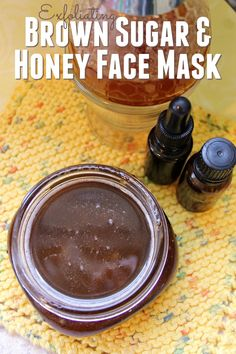 Exfoliating Brown Sugar & Honey Facial Mask Are you looking for a simple way to exfoliate and nourish your skin at the same time? This Exfoliating Brown Sugar & Honey Facial Mask is exactly what you need! Honey Facial Mask, Facial Masks, Natural Skin Whitening, Whitening Face, Sugar Scrub For Face, Natural Facial, Natural Beauty, Facial Diy, Honey Face