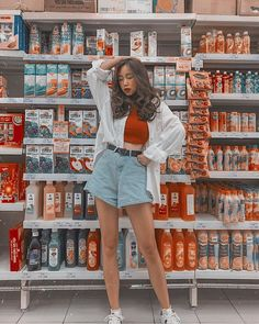 Model Poses Photography, Best Photo Poses, Girl Photo Poses, Lightroom, Poses Pour Photoshoot, Mode Ulzzang, Korean Girl Fashion, Ulzzang Fashion Summer, Instagram Pose