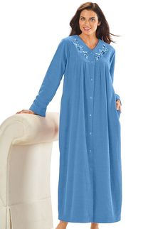 AmeriMark Women's Snap-Front Long Boucle Robe at Amazon Women's Clothing store: Day Dresses, Girls Dresses, Nightgown Pattern, Stylish Dresses For Girls, Women Lingerie, Luxury Lingerie, Nightgowns For Women, Pure Silk Sarees, Night Gown