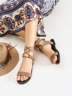 Shop Tassel Detail Lace Up Flat Sandals online. SheIn offers Tassel Detail Lace Up Flat Sandals & more to fit your fashionable needs.