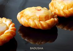 http://www.rakskitchen.net/2010/04/badhusha.html