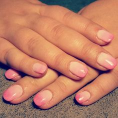 Nails pink ombre