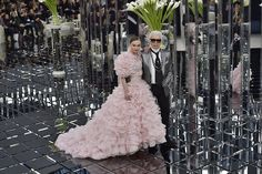 Much could be made about Karl Lagerfeld's mirrored runway for Chanel's haute couture collection. The Kaiser famously refuses to look… Karl Lagerfeld, Naomi Campbell, Fashion Week, Fashion Show, Fashion Design, Live Fashion, Kristen Stewart, Coachella, Funeral