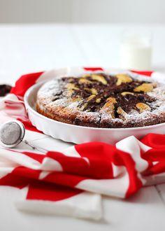 Torta soffice con pere, cioccolato e peperoncino (senza lattosio)