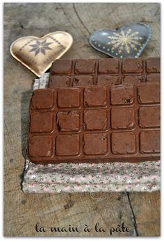 Tablette de chocolat croustillante au caramel et au chocolat