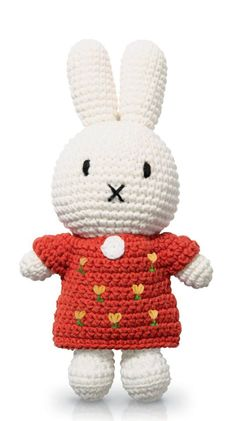 Crochet cotton Miffy off-white Miffy with blue overalls. Buy this Miffy handmade crochet online today. Diy Crochet Amigurumi, Crochet Toys, Crochet Baby, Kids Crochet, Newborn Toys, Unique Baby Gifts, Miffy, Red Floral Dress, Cotton Crochet