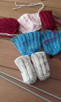 Knitted chair socks                                                                                                                                                     More Knitted Gifts, Crochet Gifts, Knit Crochet, Knitting Projects, Crochet Projects, Chair Socks, Yarn Stash, Crochet Designs, Doll Patterns