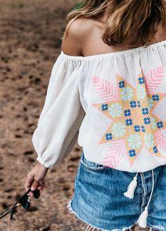 Short en jean ample + blouse bohème = le bon mix (top Zaitegui - blog Collage Vintage)