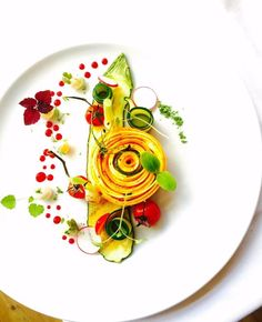 Foodstar Marco Tola ( shared a new image via Foodstarz PLUS /Yellow Zucchini Spiral, Goat Cheese Sphere, Tomatoes Confit Food Design, Yellow Zucchini, Plate Presentation, Modern Food, Food Decoration, Molecular Gastronomy, Edible Art, Culinary Arts, Food Plating