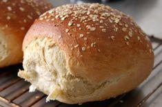 Havrebrødet er et yndlingsbrød Baking Recipes, Real Food Recipes, Cake Recipes, Yummy Food, Bread Bun, Bread Cake, Norwegian Food, Danish Food, Dessert Drinks