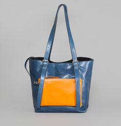 MM6 par Maison Martin Margiela Navy Blue Adjustable Bag on sale at L'Exception