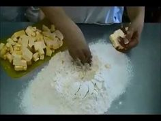 Salt Dough that hardens Kouign Amman, Pan Bread, Salt Dough, How To Make Bread, Sweet Desserts, Baking Tips, Empanadas, Oven Baked, Crafts For Kids