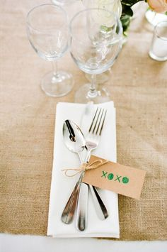 Nice twist on silverware setting. Would look great with a name card in place of the XOXO