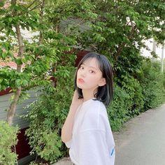 Eyes On Me, Sakura Miyawaki, Forever Girl, Pink Envelopes, Cute Fairy, Instagram Pose, The Wiz, Winwin, Girl Crushes