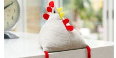 Easter hen soft toy. Hmmm, make a pincushion without legs.