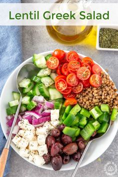 This Lentil Greek Salad is a colorful healthy and easy to make salad that has fresh flavor. Each serving has crunchy cucumbers green peppers juicy tomatoes creamy feta cheese red onions kalamata olives and the added bonus of lentils for protein. Salad Recipes Video, Salad Recipes For Dinner, Healthy Salad Recipes, Gourmet Recipes, Diet Recipes, Vegetarian Recipes, Clean Eating, Healthy Eating, Feta