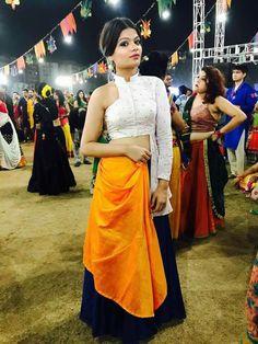 Pinterest: @cutipieanu Garba Dress, Navratri Dress, Choli Dress, Bridal Lehenga Choli, Choli Designs, Lehenga Designs, Blouse Designs, Funky Dresses, Stylish Dresses