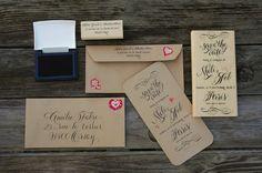 Save The Date tampon sur mesure Faire-part de mariage par Studio French Blue, papier kraft + calligraphie