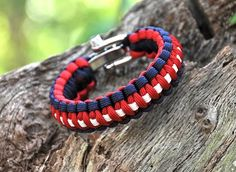 I love what these Survival Bracelets stand for.  Must get one!