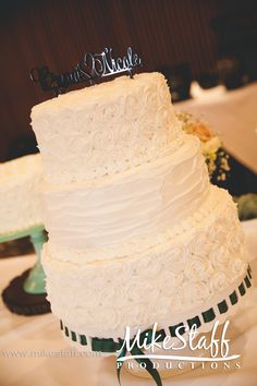 #wedding #cake #Michiganwedding #Chicagowedding #MikeStaffProductions #wedding #reception #weddingphotography #weddingdj #weddingvideography #wedding #photos #wedding #pictures #ideas #planning #DJ #photography