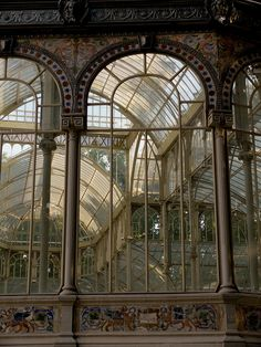 A bit of heavenliness in Madrid, Spain. Beautiful Architecture, Art And Architecture, Architecture Details, Industrial Architecture, Magic Places, Foto Madrid, Crystal Palace, Glass House, Diy Garden Decor