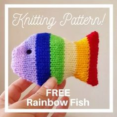 This little knitted fish is in a rainbow style. It is quick and easy to make. Made with oddments of white double knitting yarn. A small amount of toy stuffing. Easy Knitting, Double Knitting, Loom Knitting, Knitting Machine, Knitted Doll Patterns, Animal Knitting Patterns, Free Baby Knitting Patterns, Knitted Dolls Free, Knitted Owl