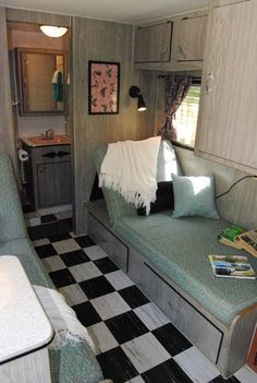 Vintage camper  interior love this layout with the back bathroom