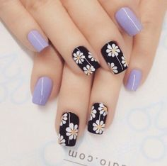 Flower nail art design Girls are more and more obsessed with decorating their nails, so if you were looking for some fresh nail designs this season, take a look. Enjoy in Photos! Flower Nail Designs, Simple Nail Art Designs, Flower Nail Art, Fancy Nails, Trendy Nails, Cute Nails, Nagel Gel, Fabulous Nails, Gorgeous Nails